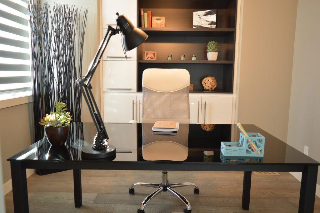 6 façons de travailler à domicile sans perdre de temps